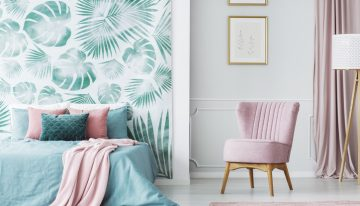 How to Use Bold Wallpaper