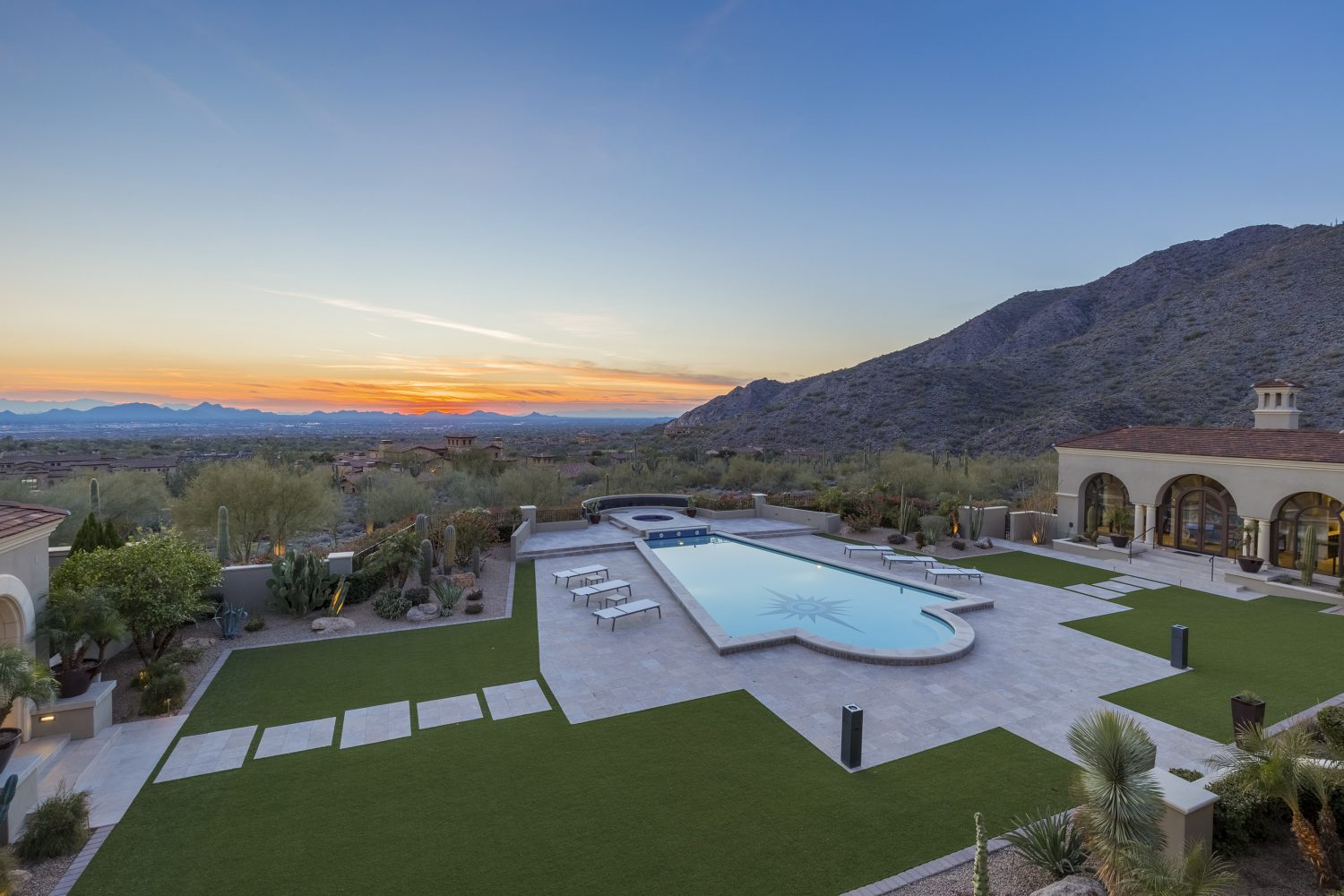 Silverleaf realty closes on home with record price in for Silverleaf com