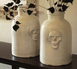 skull-ceramic-vase-c-1