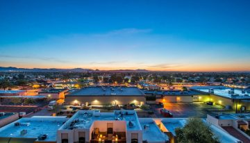 On The Market: $1.3M Top Floor Penthouse Suite in Scottsdale