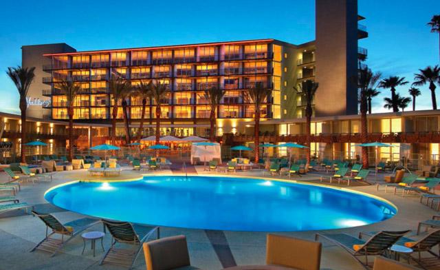 hotel-valley-ho-pool-7