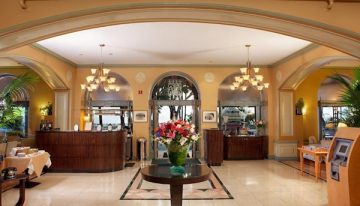 Luxury Hotel in Santa Monica Celebrates 80 Years