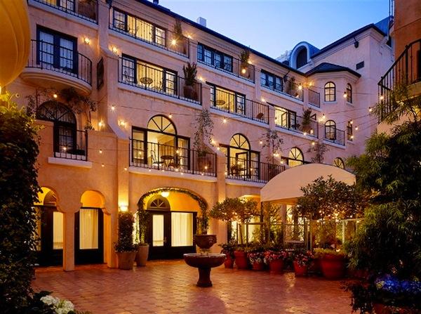 4garden-court-hotel-courtyard-1.jpg.1024x0