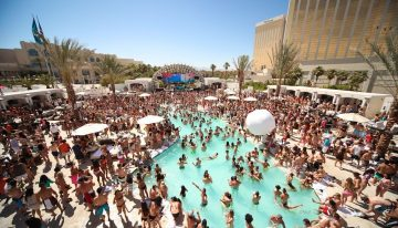 A Summer Guide to the Hottest Vegas Pools