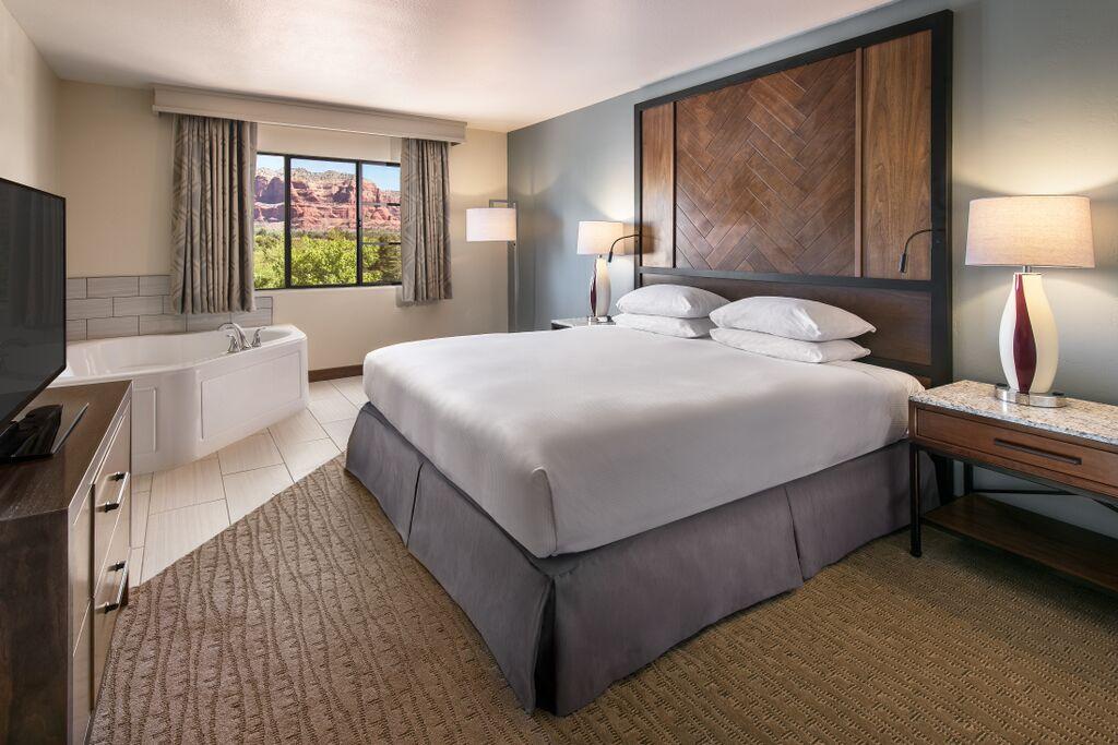 Hilton Sedona Suites + Jacuzzi