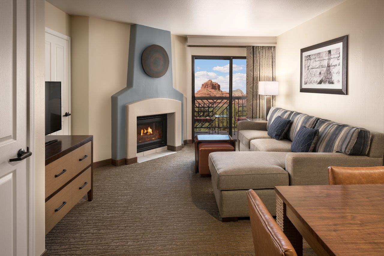visit hilton sedona resort at bell rock this holiday season. Black Bedroom Furniture Sets. Home Design Ideas