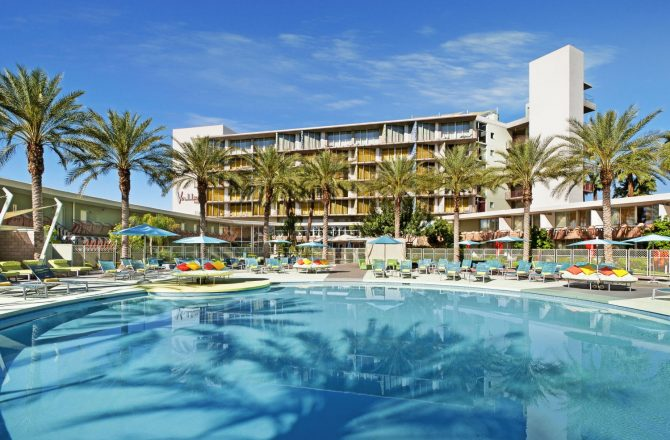 Hotel Valley Ho Celebrates Summer with Cool Deals + Selfie Contest