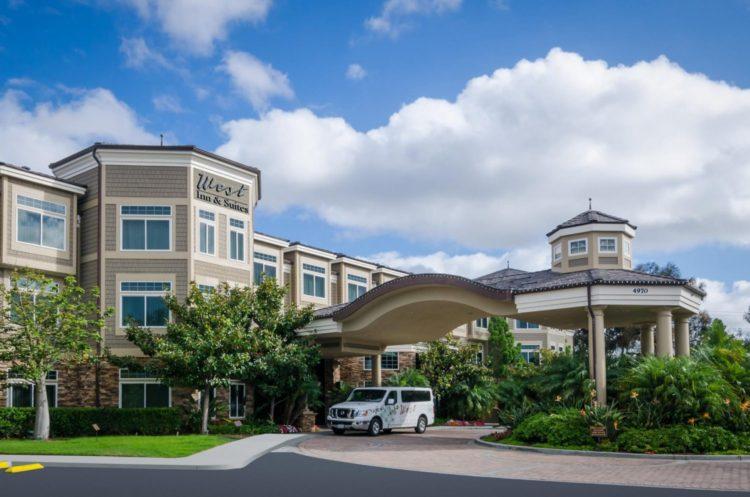 Photo: West Inn & Suites