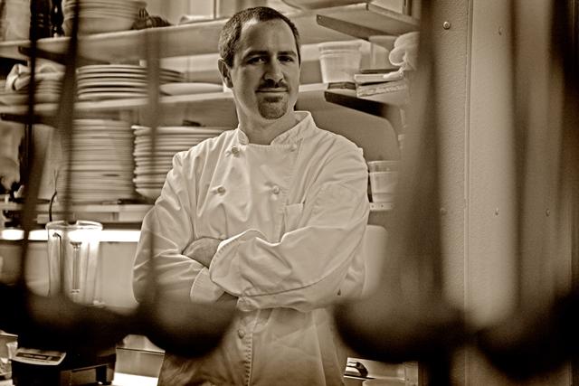 Chef Kevin Binkley 2359 5x7 (1)