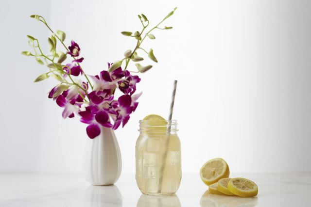 Crown Royal Honey Lemonade
