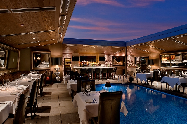 dominicks-steakhouse-rooftop-poolside-dining