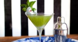 Recipe: Surf's Up Martini