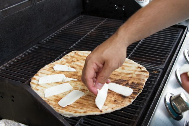 Grilling Pizza 1