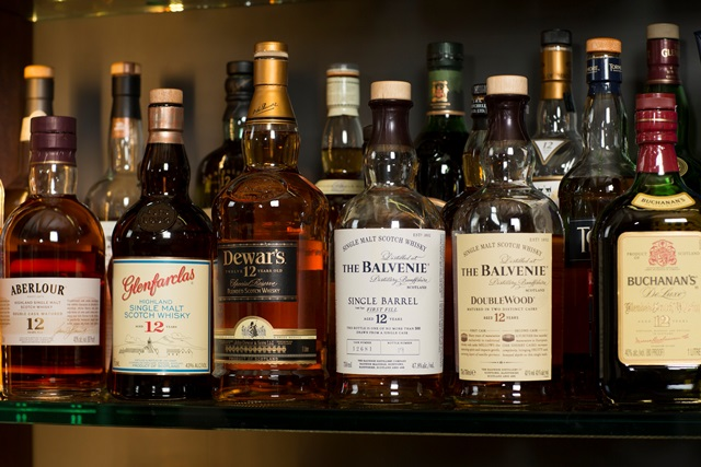 """""""Voice to America"""" Comes to Westin Kierland's Scotch Library"""