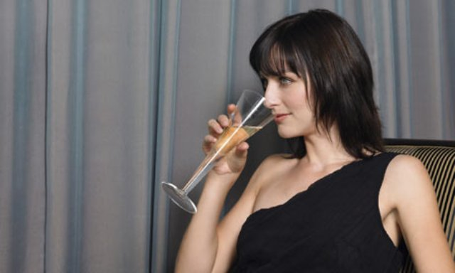 Champagne-Pouring Tips