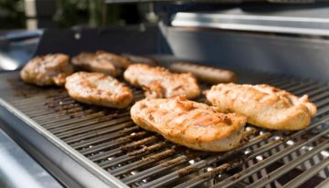 Valley Steakhouse Hosts Grilling Classes