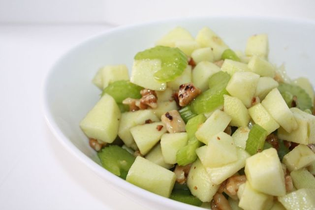 green-apple-and-walnut-salad