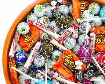 Halloween Candy: Tips for Protecting Your Teeth