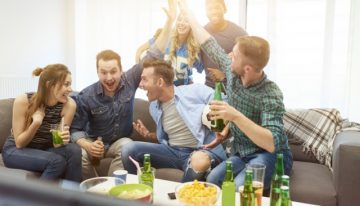 Super Bowl Party Etiquette Tips