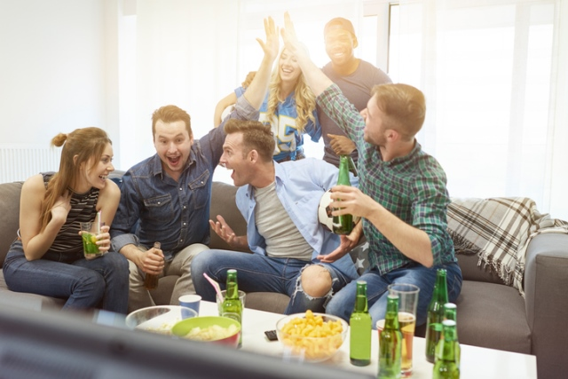 Super bowl party etiquette tips