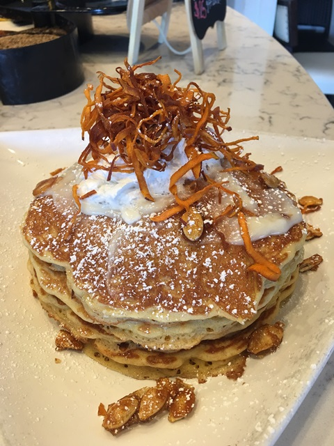 the-hash-kitchen-pumpkin-pie-pancakes