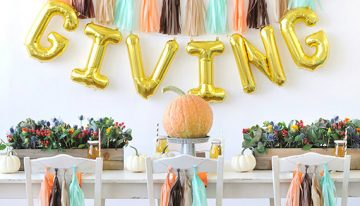 Valley Girl's Guide to Hosting Friendsgiving