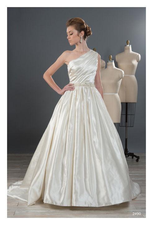2-best-new-wedding-dresses-bridal-market-h724