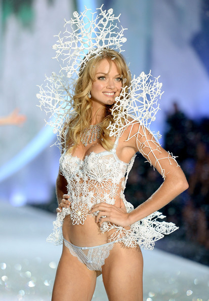 2013+Victoria+Secret+Fashion+Show+Show+s1_Wjoct0DAl