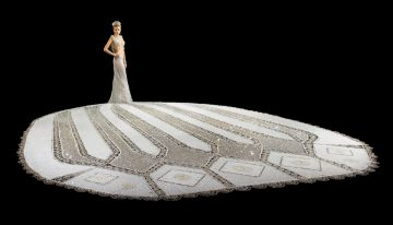 Wedding Dress Legend Designs a 400 Pound Gown