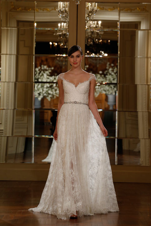 34-best-new-wedding-dresses-bridal-market-h724
