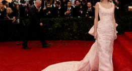 New Fashion Museum To Showcase Iconic Oscar De La Renta Gowns