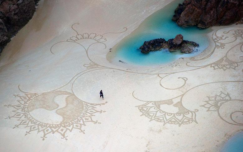 Beach-artwork-by-American-003