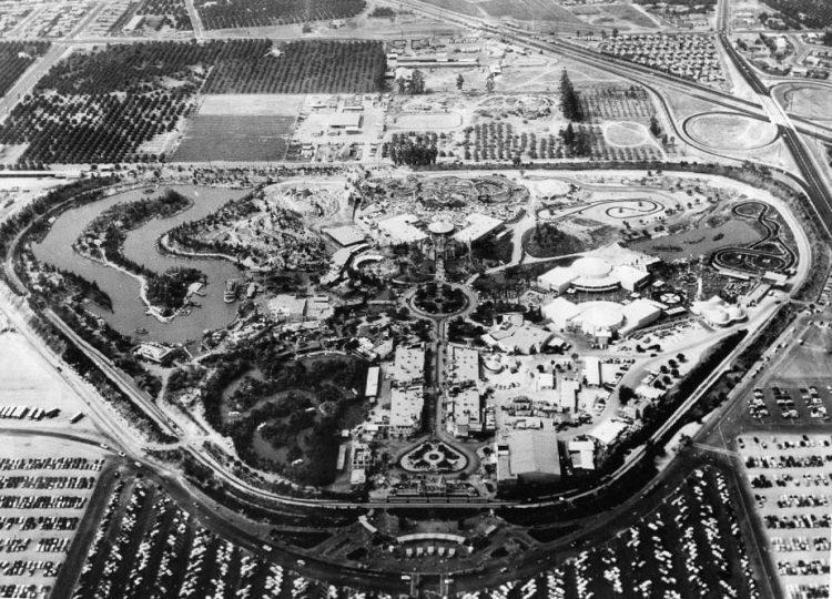 Disneyland_aerial_view_in_1956