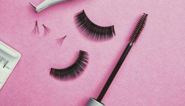 Lashing Out: How Eyelash Extensions Are Changing the Mascara Industry