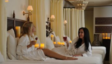Joya Spa Hosts Gals' Night In with The Bachelor