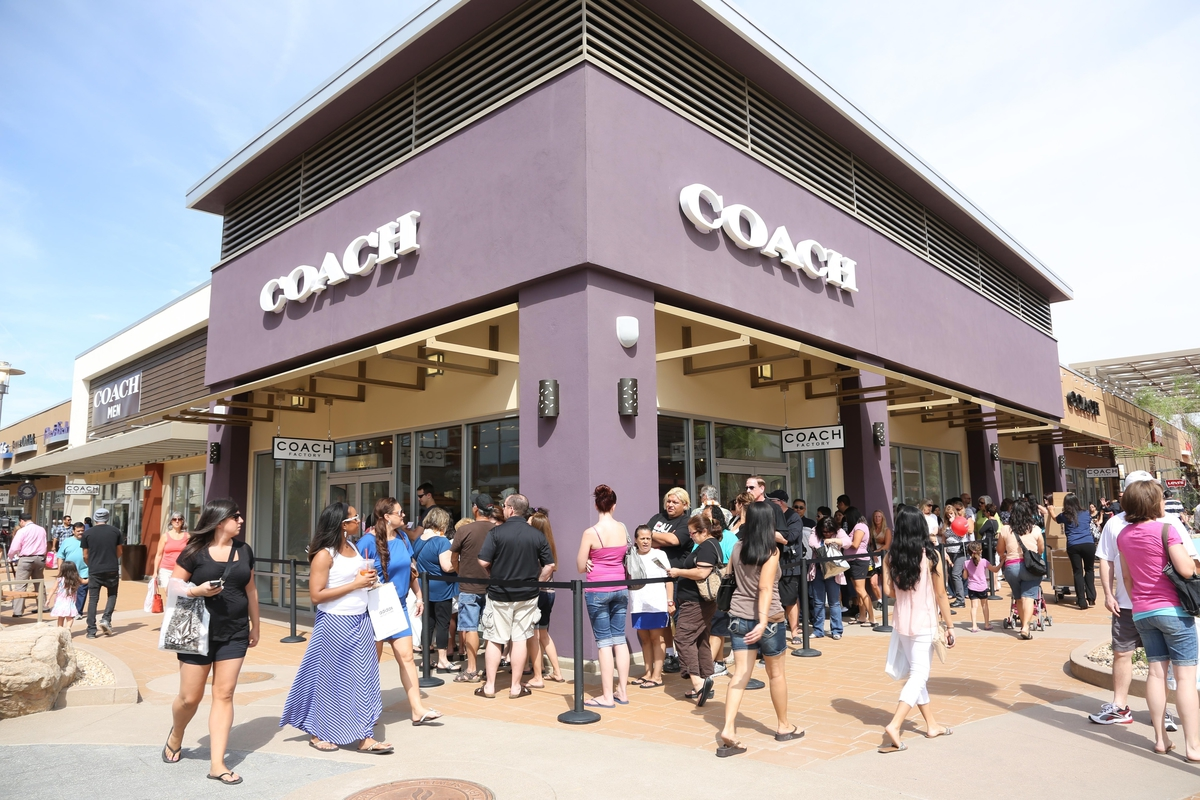 Phoenix Outlet Mall - Coach