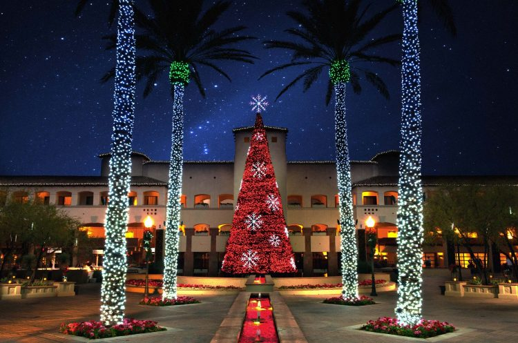 red-tree-w-snowflakes-princess-plaza