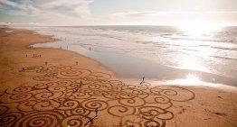 Amazing Beach Artist: Andres Amador