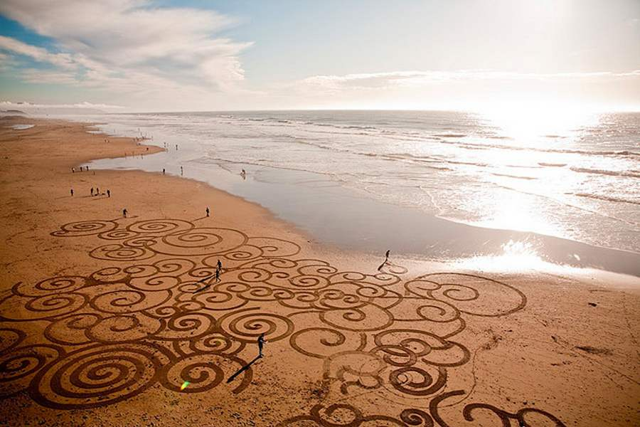 Sand-Paintings-by-Andres-Amador-6