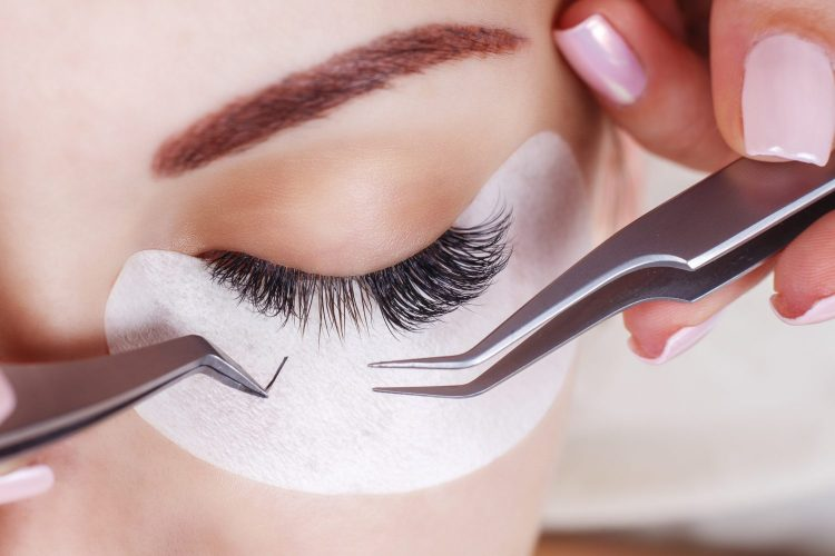 The Dos And Donts Of Eyelash Extensions