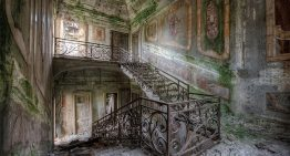 Dutch Photographer Captures Incredible Images of Abandoned Mansions