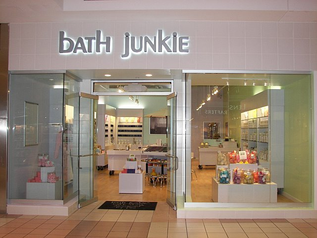 Bath Junkie to Open in Phoenix's Desert Ridge