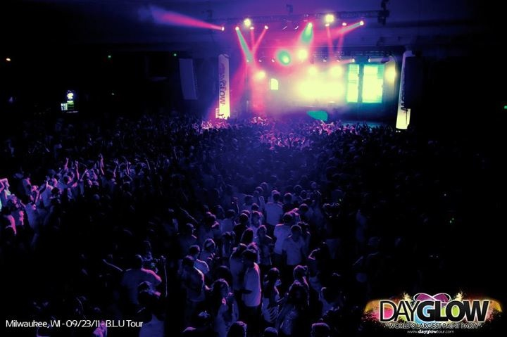 International paint party Dayglow to visit the Valley