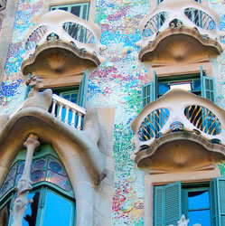 Barcelona: Gaudi's City