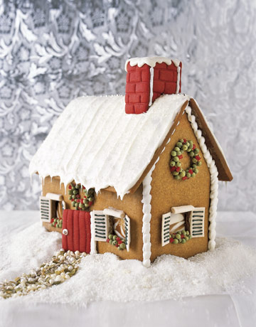 Hot to make a stylish gingerbread house for Gingerbread house plans