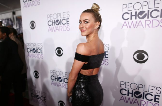 Most Glamorous People's Choice Awards Red Carpet Looks