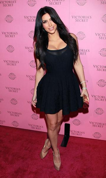 """Victoria's Secret Debuts 2011 """"SWIM"""" Collection"""