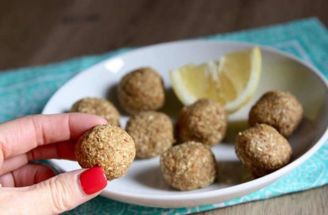 3 Quick Healthy Snacks for the Girl on the Go