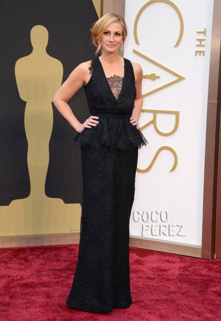 oscars-2014-julia-roberts-red-carpet__oPt