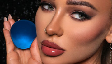 "Instagram Makeup Icon, Liza Lash, Launches New ""Beauty Sphere"""